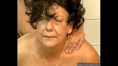 Horny old mom loves getting fucked - 5 min