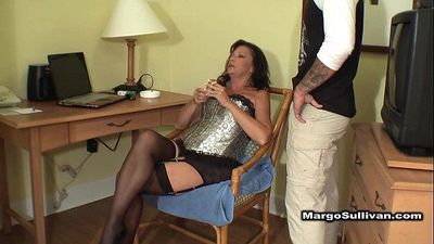 Mature cougar smoking sex - 9 min