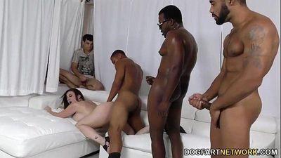 Sara Jay 获取 ganbanged 通过 黑色的 帅哥 在 前 的 她的 sonhd