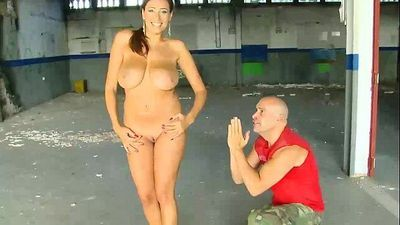 Real public chica amateur sucks dick for her audition