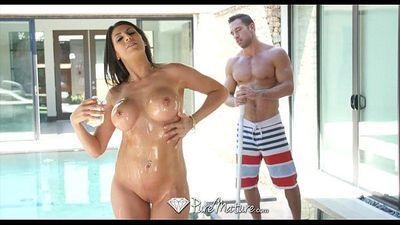 PureMatureMakayla Cox gets her big tits fucked by hard dickHD