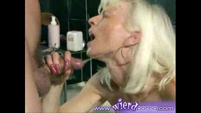 mature blonde fist - 1 min 2 sec