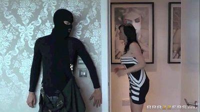 Jasmine James Fuck With a Thief - 1 min 43 sec
