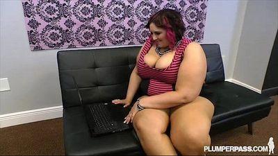 Busty BBW Fucks Strange Cock Online Dating - 2 min