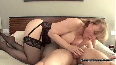Sexy blonde cougar gets nailed hard - 8 min