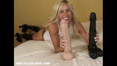 Blonde cougar pounds her asshole with a brutal dildo - 8 min