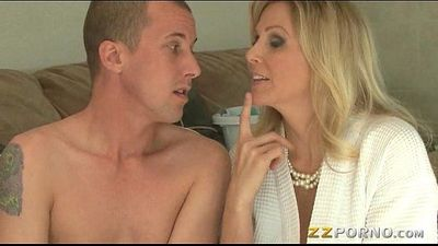 Massive boobs MILF Julia Ann gives head and pussy pounded - 5 min