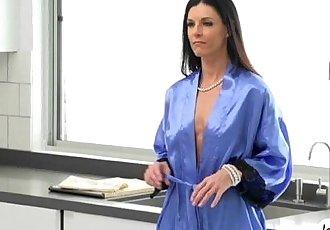 Slim MILF hottie India Summer enjoys super passionate sex - 6 min
