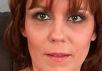 Natural milf pussy with lots of hairHD