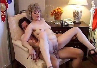 Sexy mature amateur loves to fuck - 5 min