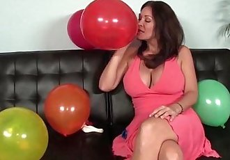 Big-Titted Milf Sucks An Erected DickHD