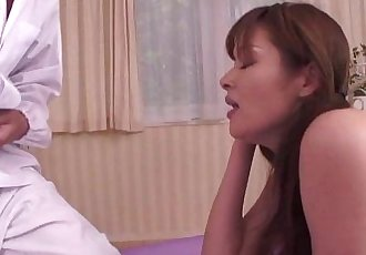 Asian milf fills her mouth up with dick whille in her bed - 6 min