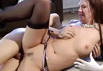 Cock loving mature hoe gets a cumshot