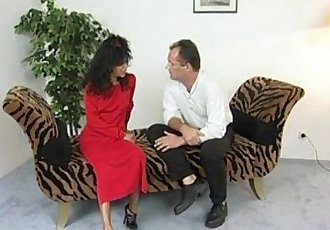Skinny milf gets horny sex