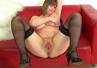 British milf Janey masturbates her unshaven pussyHD