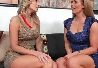 Mature Lesbians Lick And Play With Their Bodies video-07