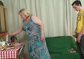 Horny granny seduces her son in law - 6 min