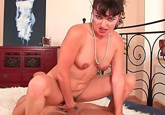 Hairy soccer mom unloads the neighbor\