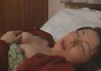 由香里 驚訝 在 她的 家 獨奏 - 8 min