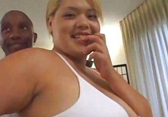 性感的 胖乎乎的 金发女郎 亚洲 英国广播公司 三人行 与 巨大的 脸部 - abuserporncom - 17 min