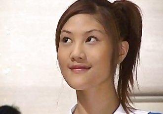 淘气 亚洲 青少年 梓 乃 gangbanged 在 热 颜射 性爱 场景 - 10 min
