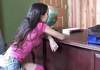 小 小小的 亞洲 18 年 舊 學校 女孩 獲取 緊 貓 破碎的 和 臉部 - 13 min