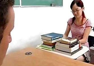 小小的 亞洲 學生 獲取 公雞 - 22 min