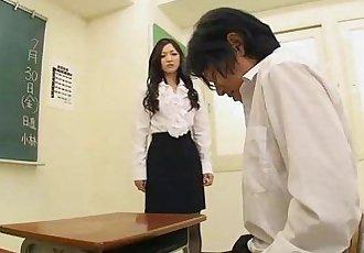 非常 可爱的 学生 吸吮 她的 教师 公鸡 关闭 - 48 sec