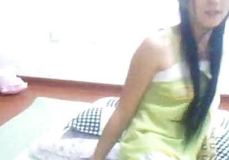 Inocente Adolescente Asiático El baile y digitación en cam - xxxcamgirlsnet - 15 min