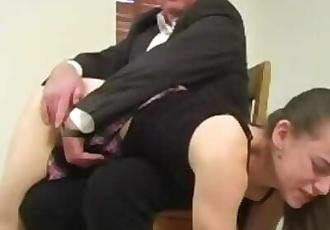 性虐待色情
