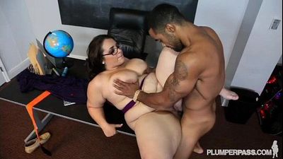 Plump School Teacher Fucked By Her Hung Student - 2 min