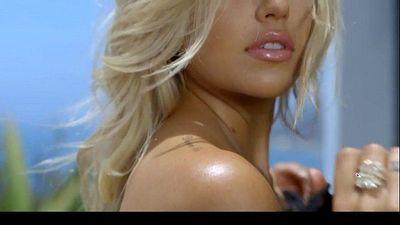 Beautiful Naked Young woman - BeautifulNakedLadies.com - 2 min