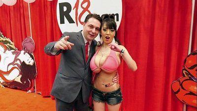Hitomi Tanaka with Anri Okita: blowjob lesson for Andrea Diprè - 3 min HD