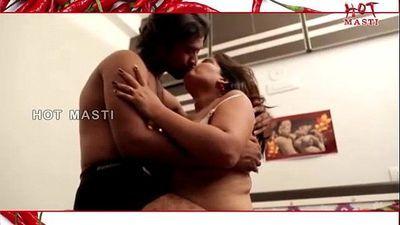 Mallu Aunty Illegal Affair With Bachelor Boy.MP4 - 11 min