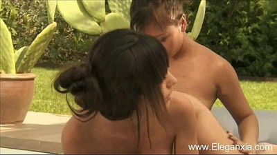 Beautiful Nuru Asian Girls Massage - 12 min