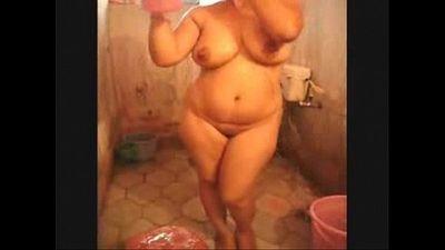 角质 印度 荡妇 seema 哥 在 浴缸 赤裸裸的 - 1 min 23 sec