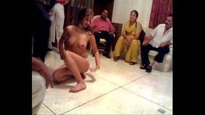Indian mature couple private mujra - 22 sec