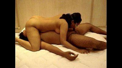 Kinkyhubby & Soniah Indian Desi - 45 sec