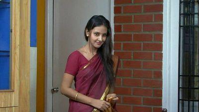 Indian desi wife seducing... - 3 min