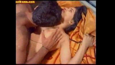 Indian beauty Reshma - 6 min