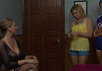 Newbie teen lesbians Tara Morgan and Bailey BaeHD