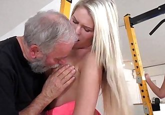 Old Goes YoungMartina loved how this old sucking her titsHD
