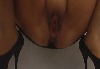 Teen pee in her dress after a party