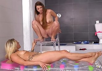 facial pissing for hot and horny lesbians