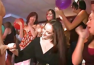 Amateur Girls Slurp Strippers Huge Cocks At Cfnm Party
