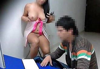 No Sound On Computer! Whore teasing the computer technician