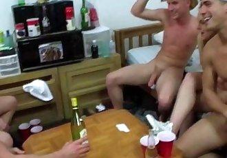 Straight amateur twinks sucking dick