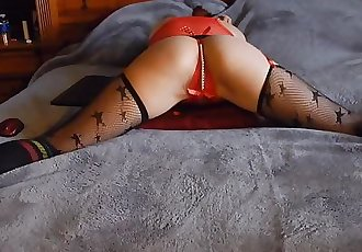 Cute petite ass shake and grinding pussy on pillow