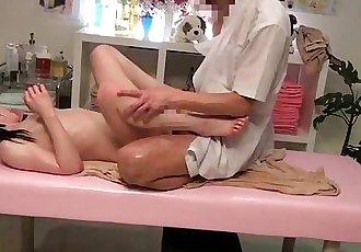 Japanese Girl Gets Body Massage Sex