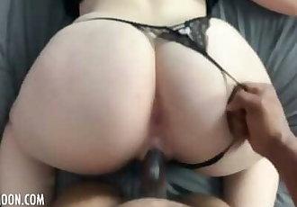 Thick ivory ass milks rock hard BBC • Amateur JayJadeMoon